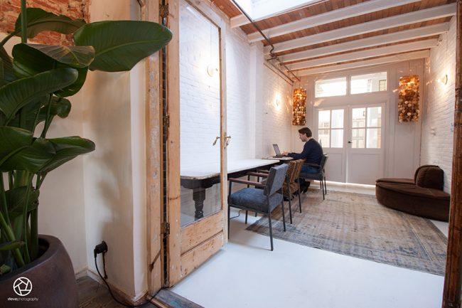 Cote cafe interior Heemstede02