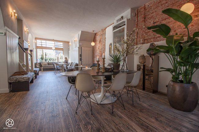 Cote cafe interior Heemstede03