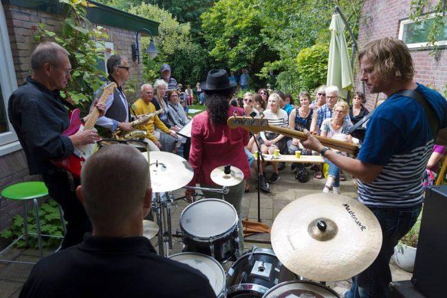Gluren bij de buren Haarlem 1